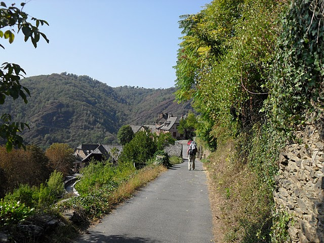 Compostela route Approach to Conques Oct 09